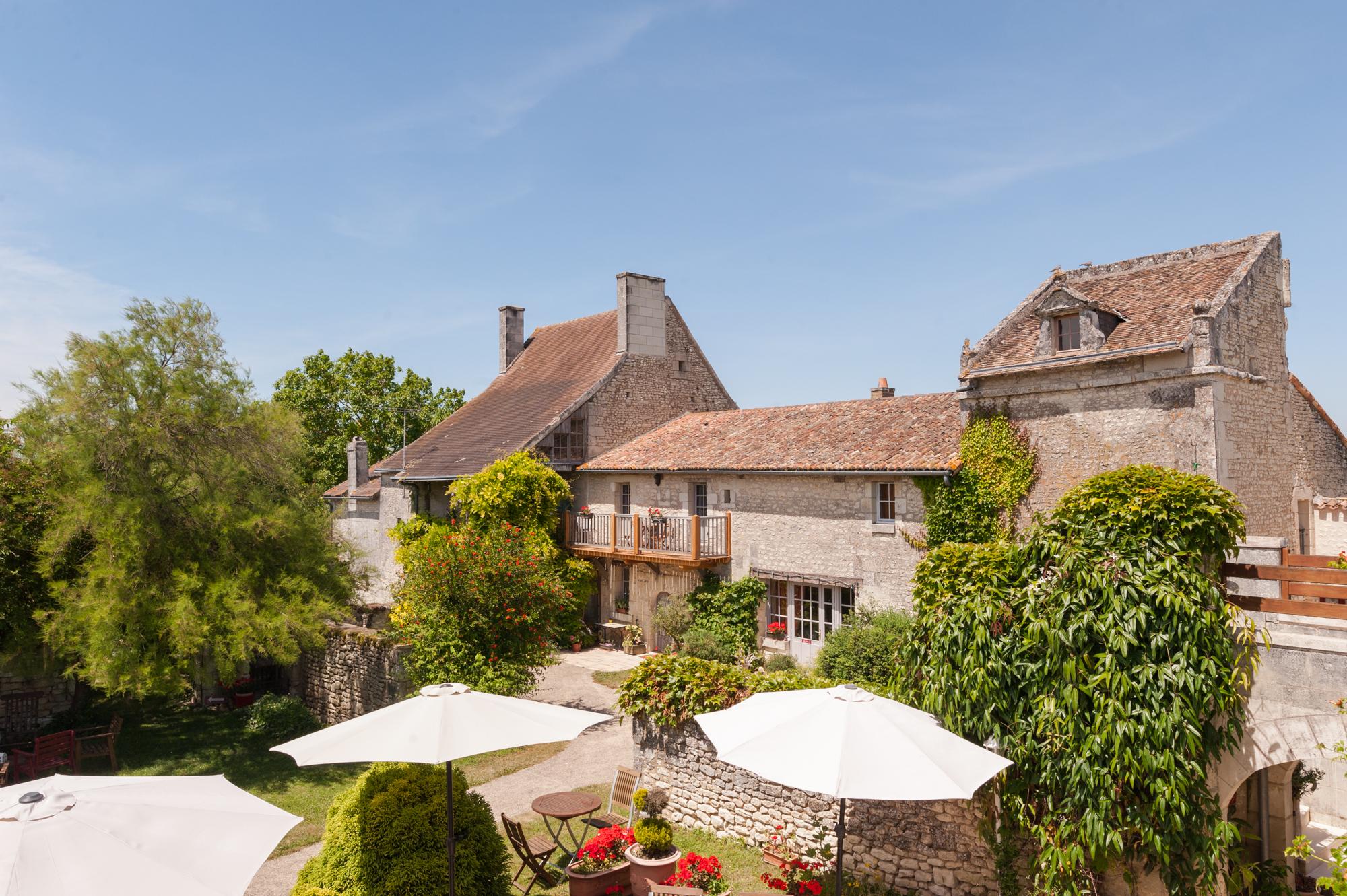 Batisse Hôtel Le Pigeonnier du Perron - Availles en Chatellerault