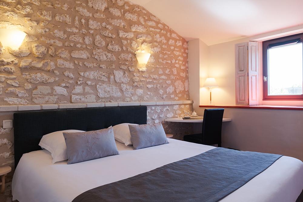 Chambre Confort N6 Hotel Le Pigeonnier du Perron - Availles en Chatellerault