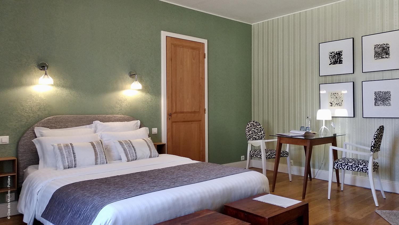 Chambre double avec petit bureau au Clos des Moulins - Poitiers
