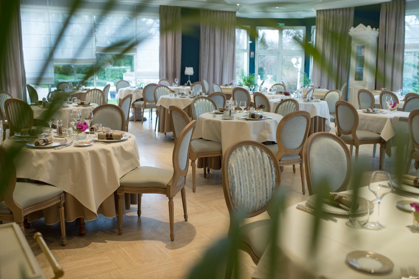 Salle de restaurant du Clos de la Ribaudière - Chasseneuil-du-Poitou