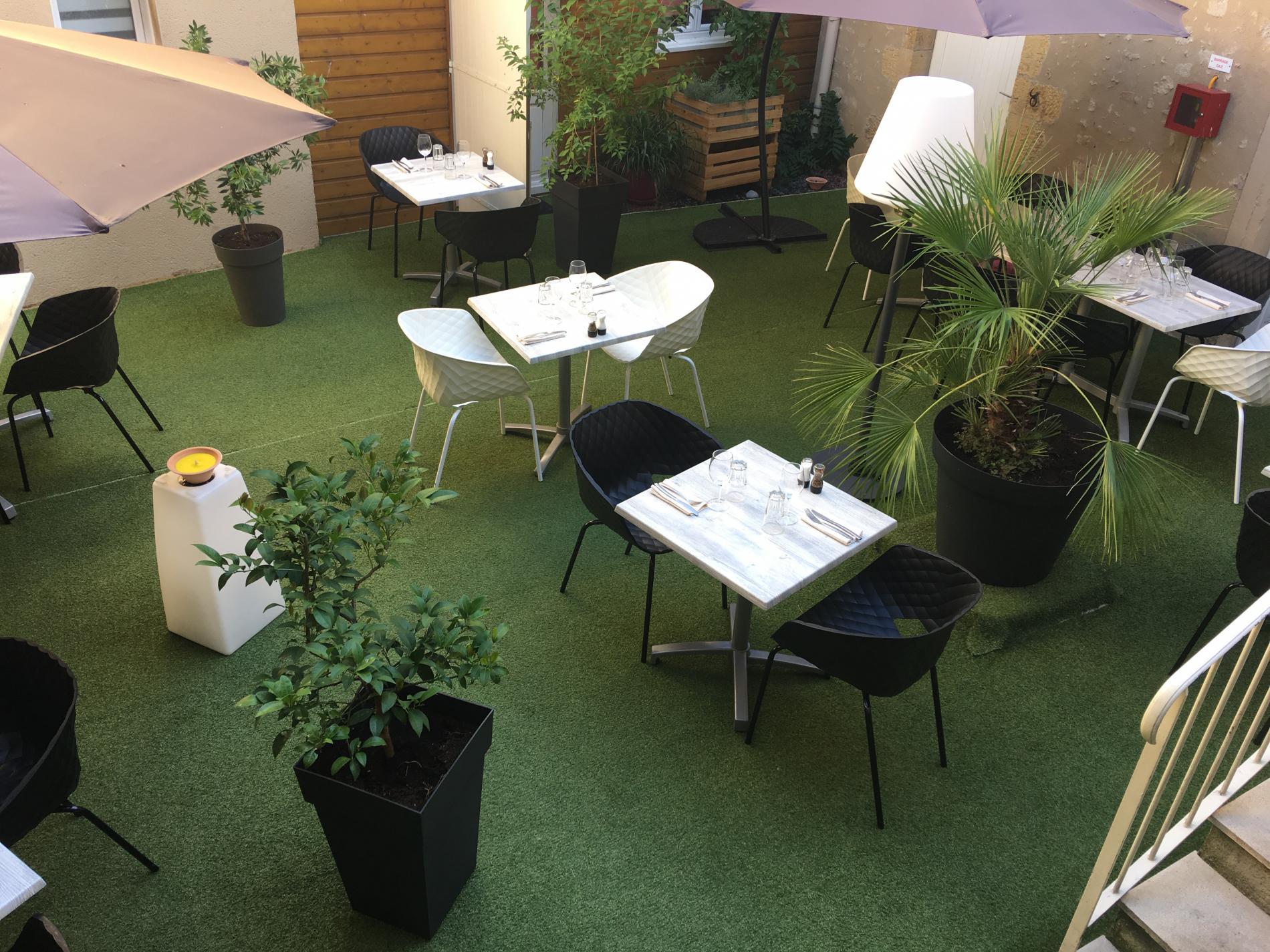 Restaurant extérieur La Chatellenie