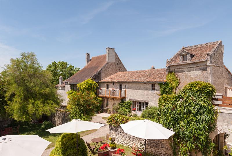 Hôtel Le Pigeonnier du Perron - AVAILLES EN CHATELLERAULT