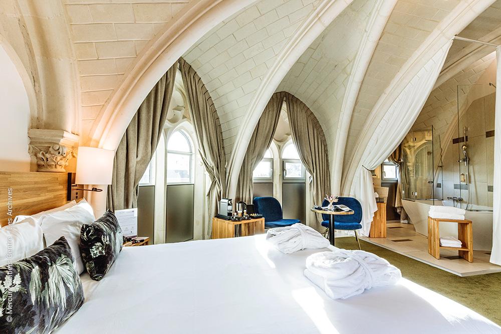 suite parentale sous voutes ancienne église - Les Archives - Hotel Mercure Poitiers